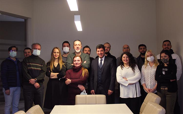 Üretim Müdürümüz Burak Bey'in yeni yaşını kutladık